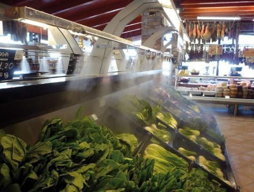 Система искусственного тумана в супермаркете